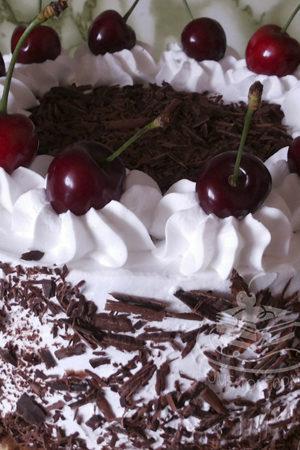 Торт Чорний ліс на замовлення