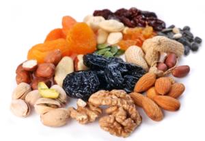 Горіхи і сухофрукти | 12 обо'вязкових продуктів | Блог Наталі
