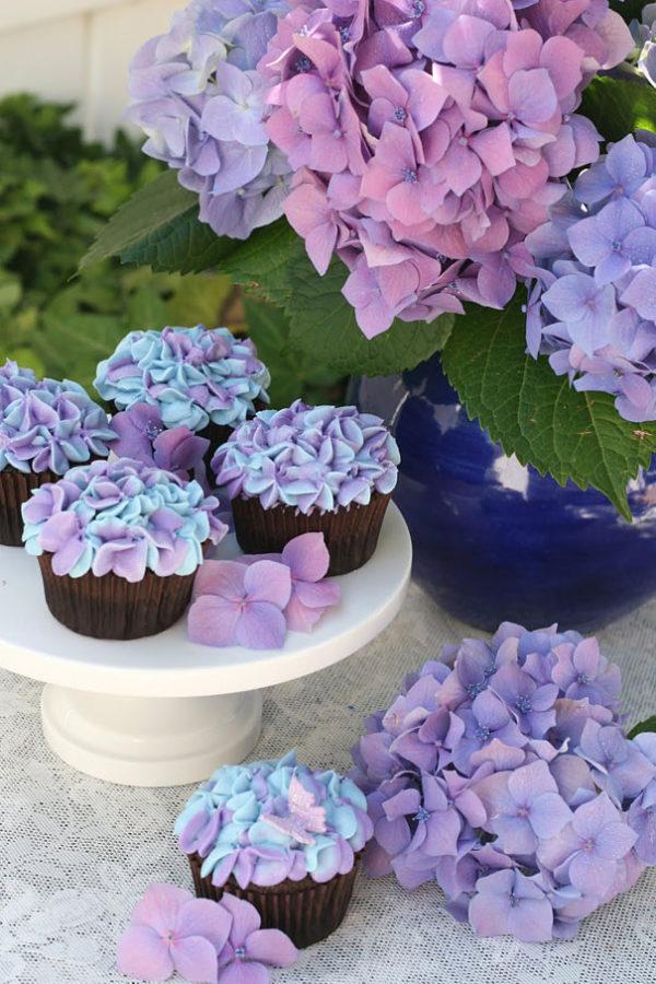 Капкейки з квітами