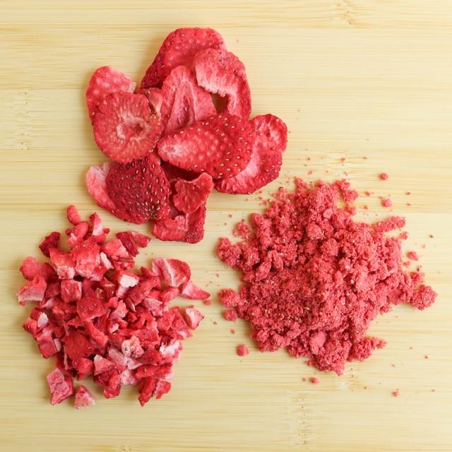 Сублімовані ягоди | Хитрощі фруктового декору та начинки | Блог | Торт на замовлення