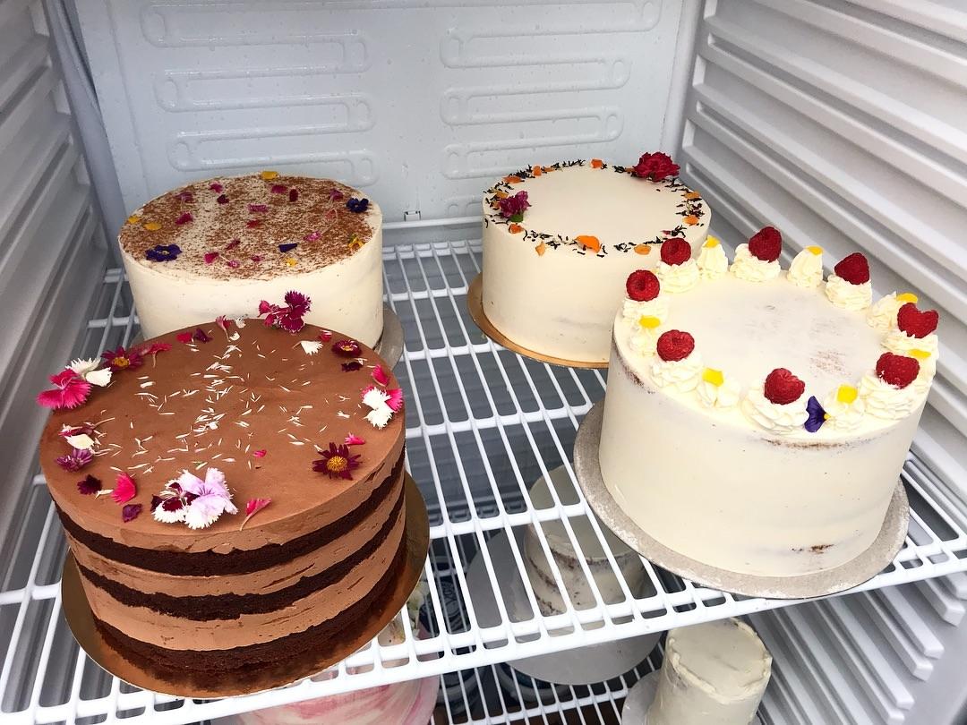 Торти з різними кремами | Як та скільки зберігати десерти | Блог | Торт на замовлення