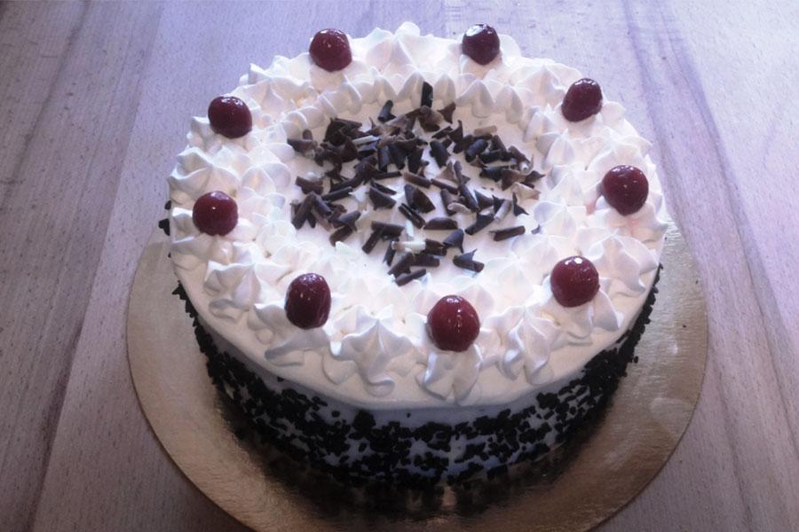 Оформлення торту (декор) простий - класичний | Торт з вишнями 3