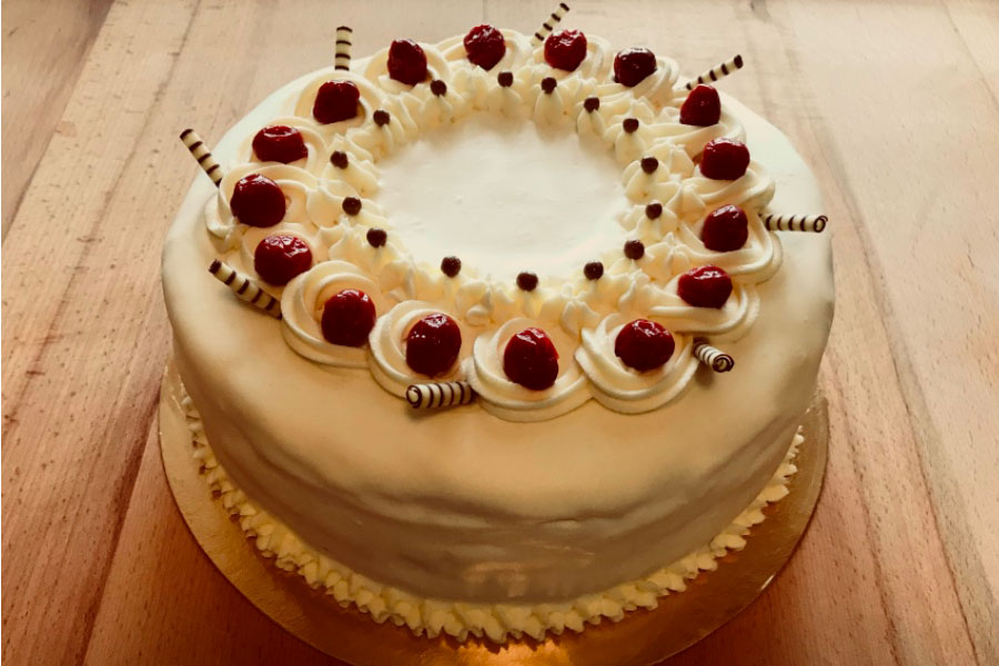 Оформлення торту (декор) простий - класичний | Торт з вишнями