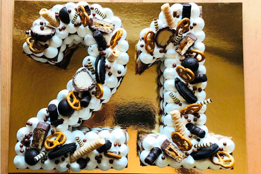 Торт цифра на День народження | Торт на замовлення