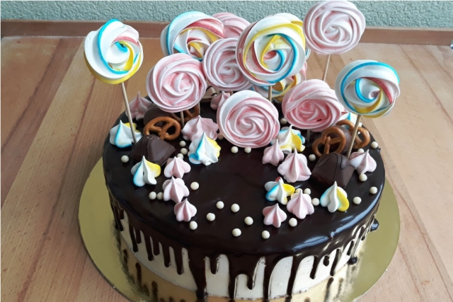 Торт на День народження | Торт на замовлення