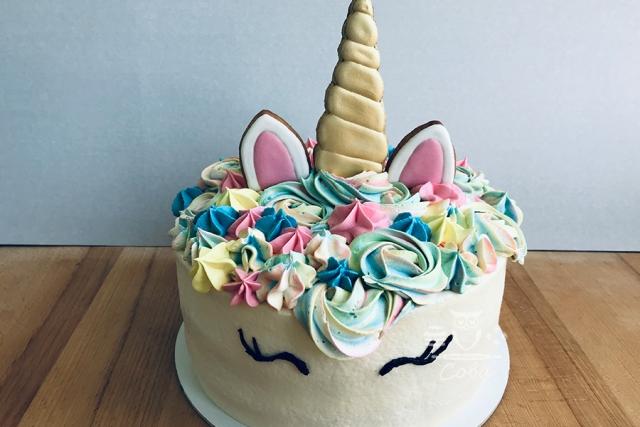 Торт єдиноріг для дівчинки на день народження