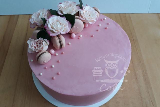 Торт з квітами та макаронс | Торт на замовлення