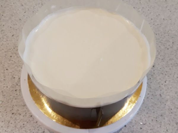Рецепт торта Пташине молоко - збираємо торт