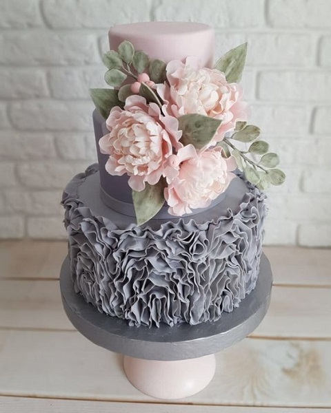 Торт декорований рюшем| Тренди дизайну тортів 2018-2019 | Блог | Торт на замовлення