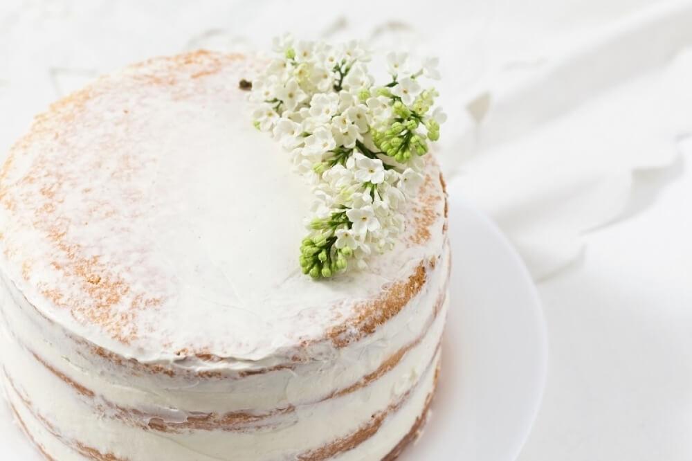 Бісквітний весільний торт | Замовити весільний торт у Львові