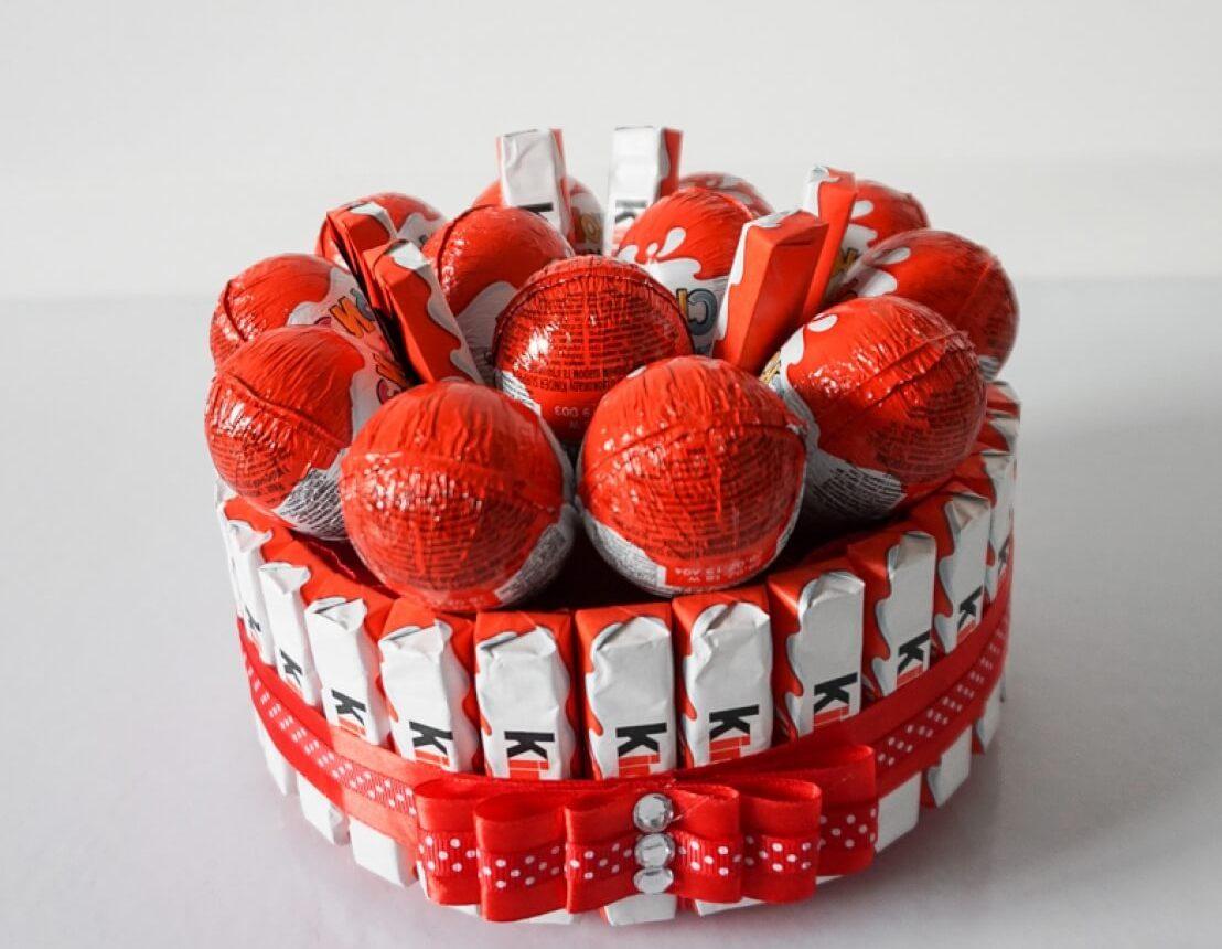 Декор торту цукерками | Торт на замовлення у Львові