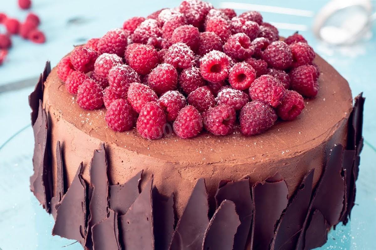 Шоколадний декор торту | Торт на замовлення у Львові