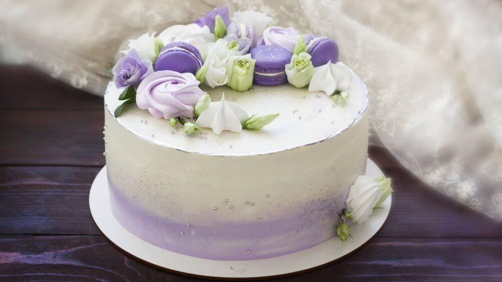 Декор торту безе | Торт на замовлення у Львові