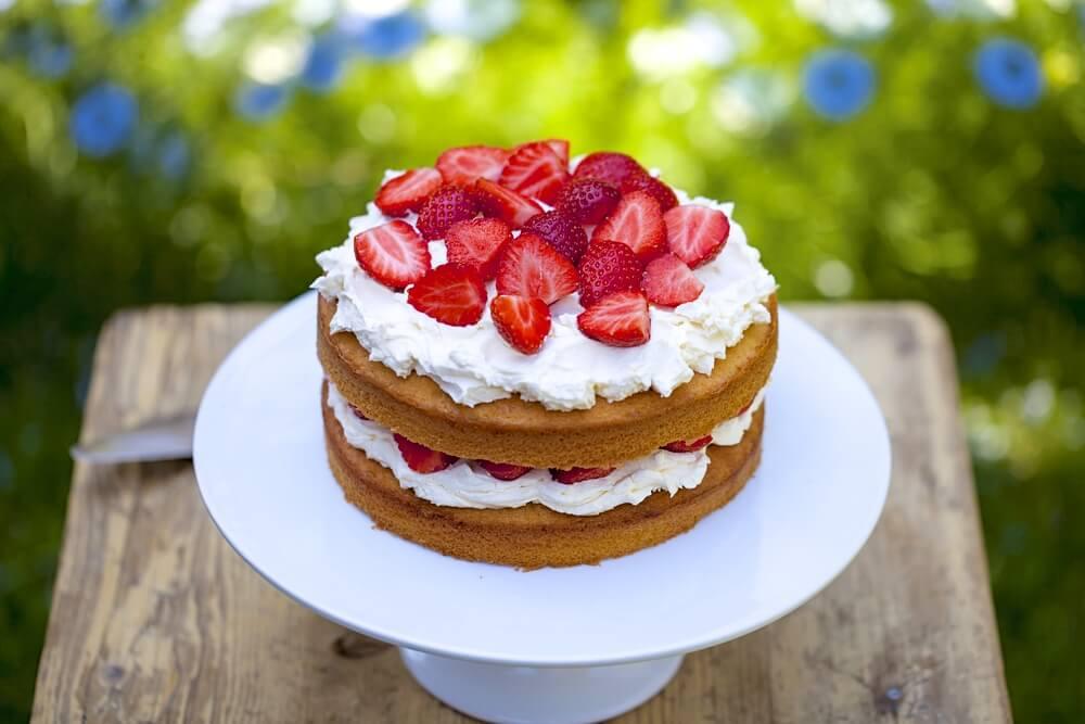 Декор торту фруктами | Торт на замовлення у Львові