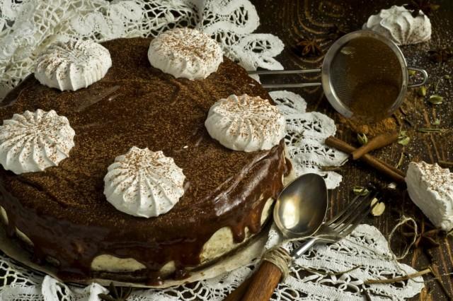 Оформлення торту зефіром | Торт на замовлення у Львові