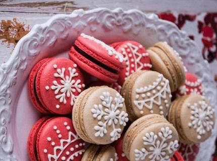 Макаруни на новорічний корпоратив | Торт на замовлення у Львові