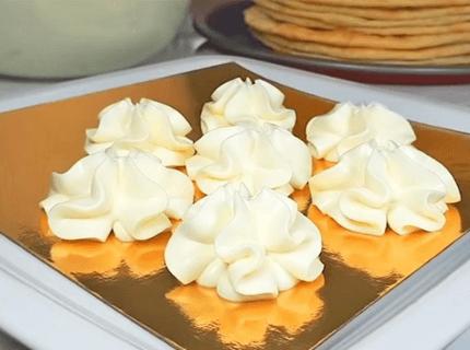 Крем дипломат для еклерів | Торт на замовлення у Львові