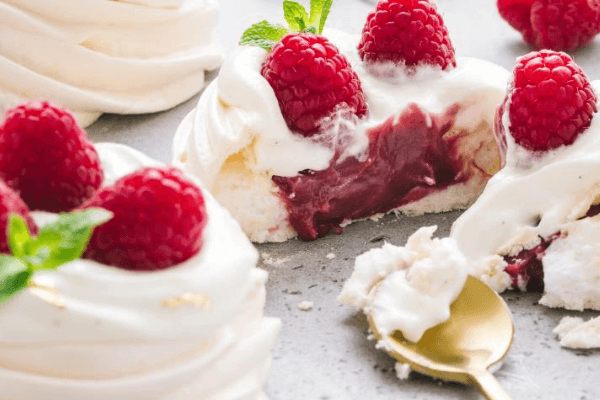 Солодощі на дівич-вечір | Десерт Павлова | Торт на замовлення у Львові