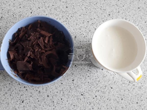 Торт П'яна вишня - рецепт шоколадної глазурі